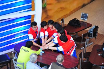 Koreans look to re-ignite their team spirit